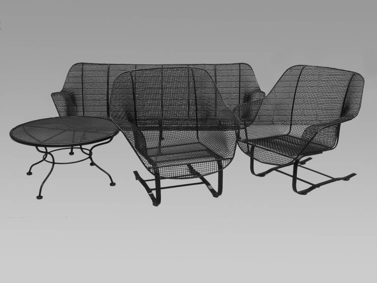 Four-Piece Suite of Woodard Wrought Iron Outdoor Garden Furniture 2