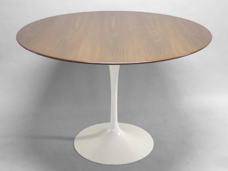 Walnut top saarinen tulip dining table at 1stdibs - Archives departementales 33 tables decennales ...