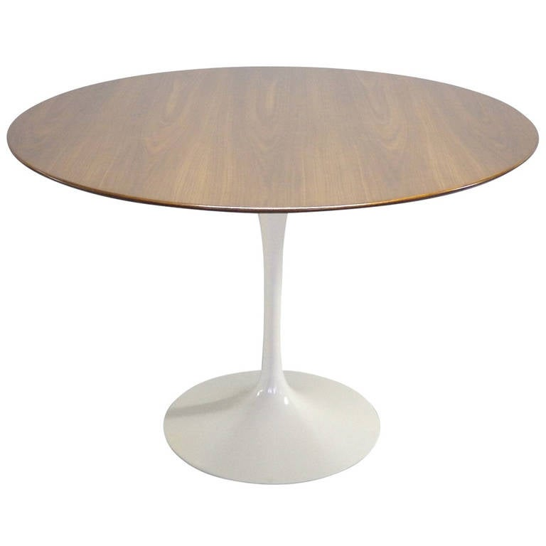 Walnut top saarinen tulip dining table at 1stdibs for Tulip dining table