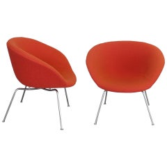 Pair of Arne Jacobsen for Fritz Hansen Pot Chairs