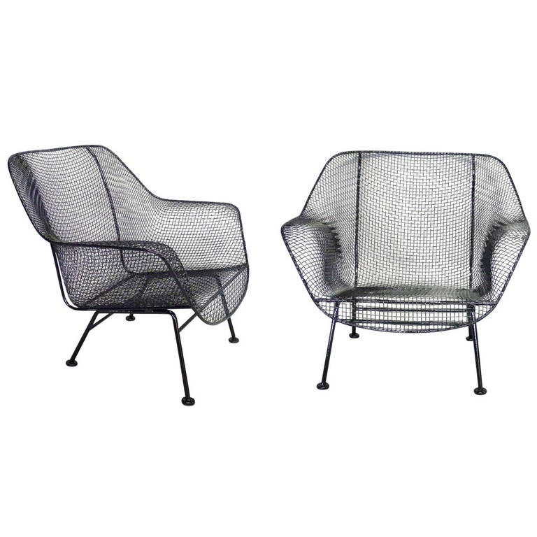 pair of woodard wrought iron with steel mesh lounge chairs at 1stdibs. Black Bedroom Furniture Sets. Home Design Ideas