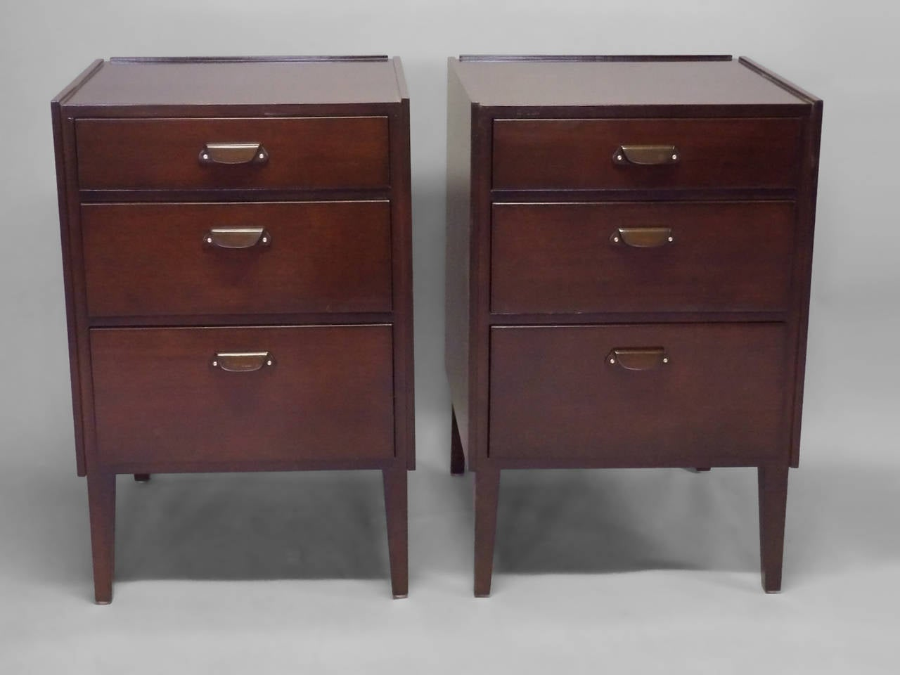 Mid-Century Modern Pair of Edward Wormley for Dunbar Angle Front Nightstands For Sale