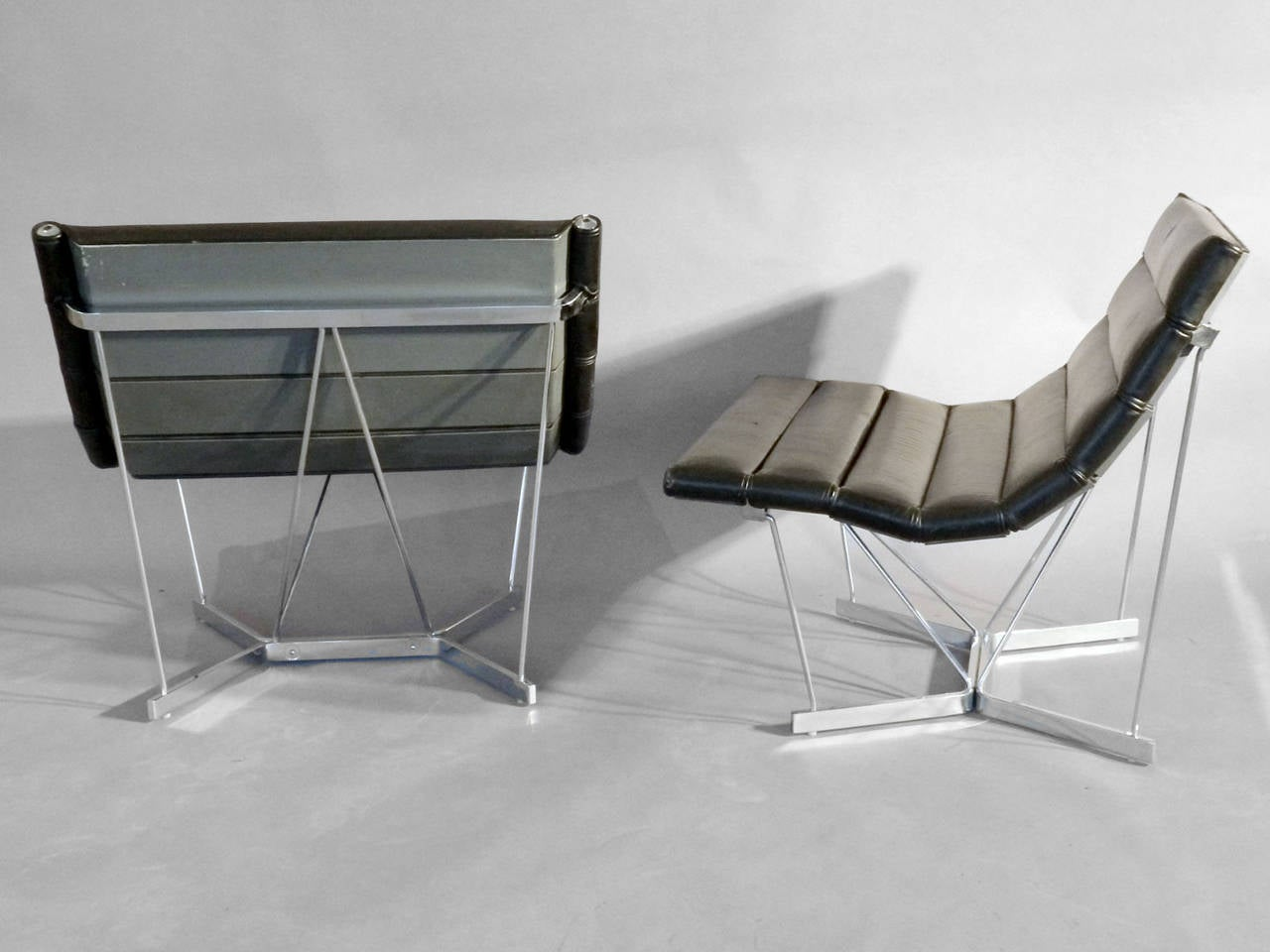 Scarce Pair of George Nelson Chrome Base Leather Catenary Chairs 3