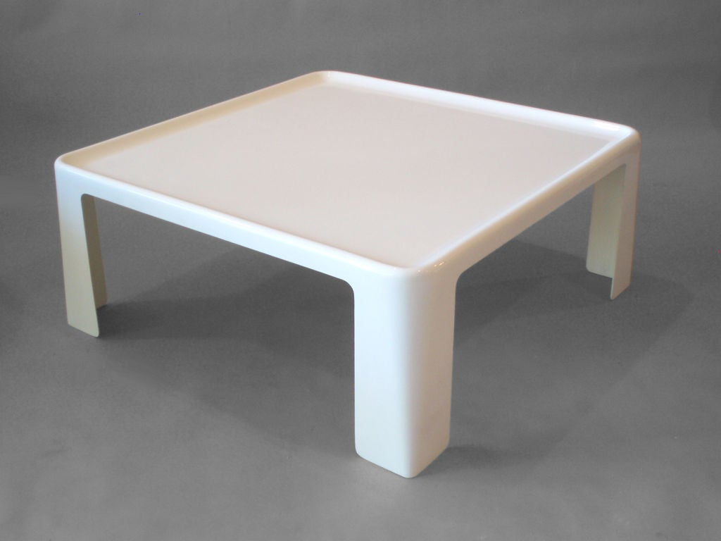 white plastic amanta cocktail table by mario bellini at