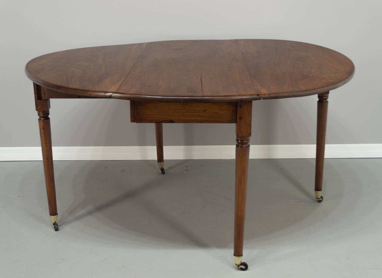 18th Century Louis XVI Period Drop Leaf Table at 1stdibs : DSC6507l from www.1stdibs.com size 1280 x 932 jpeg 55kB