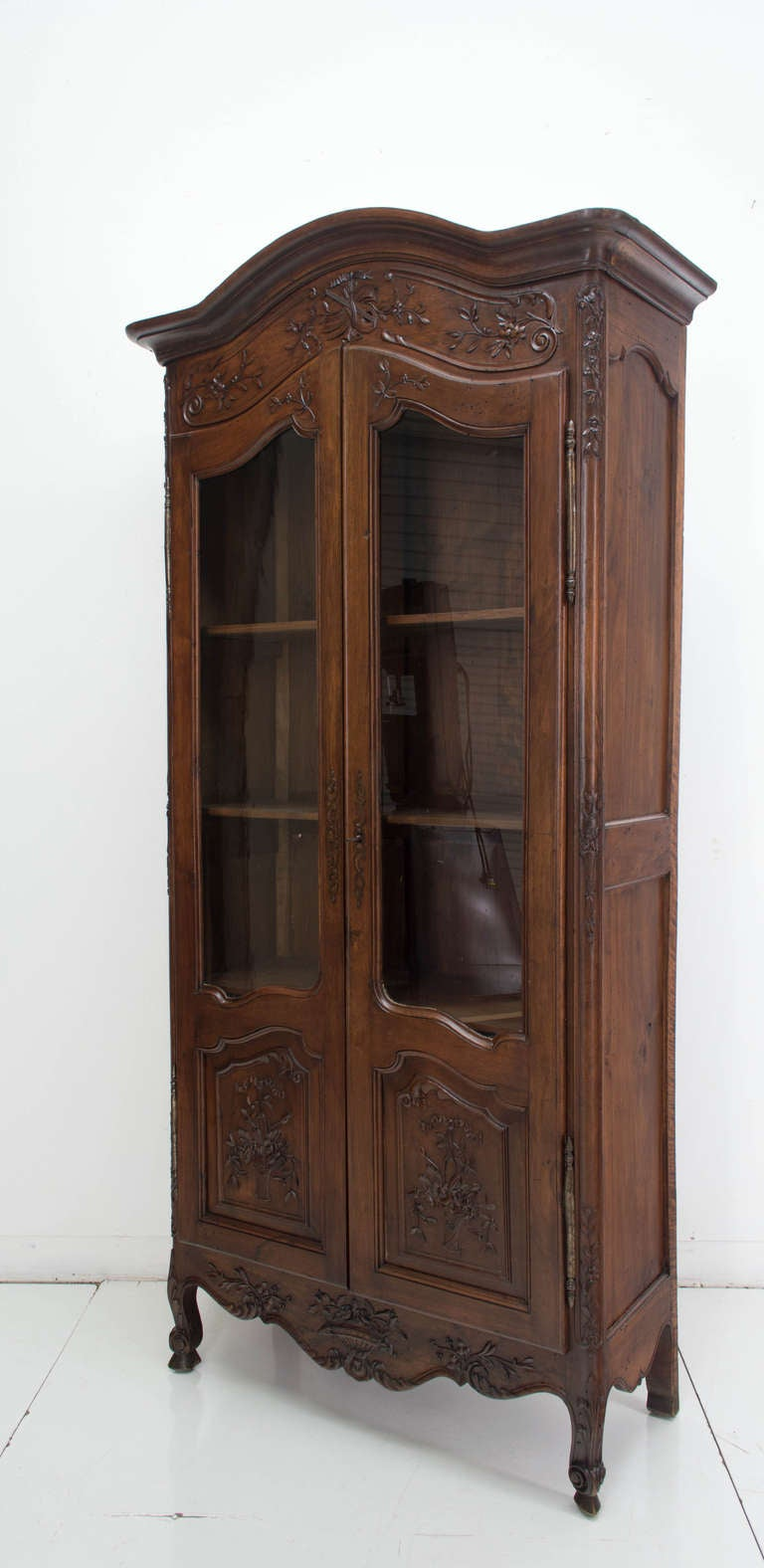 19th century louis xv style vitrine or small armoire at. Black Bedroom Furniture Sets. Home Design Ideas