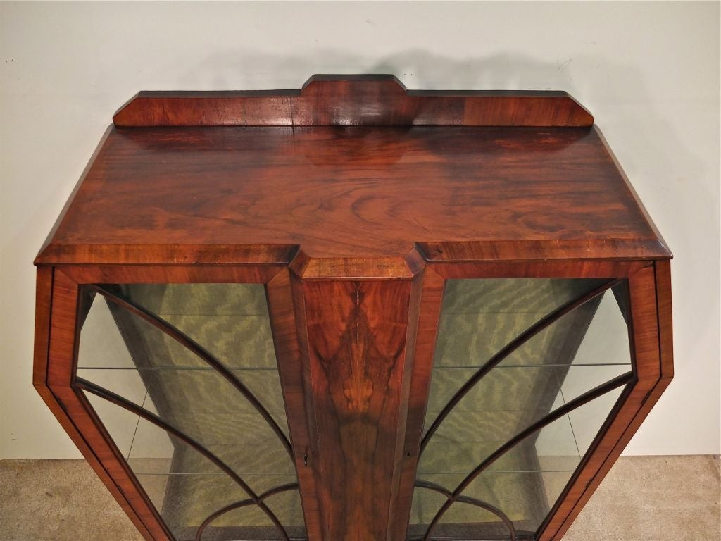 Art Deco Display Cabinet or Vitrine In Excellent Condition For Sale In Winter Park, FL