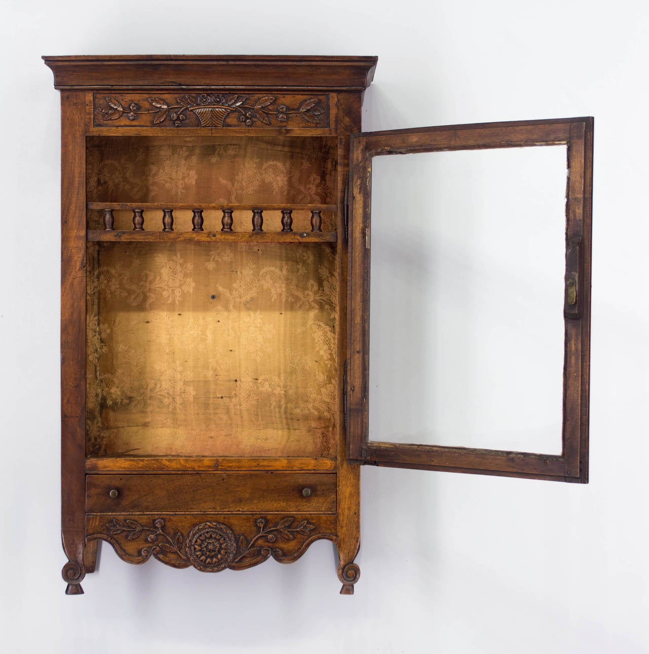 18th Century French Louis XV Verrio or Display Cabinet In Excellent Condition For Sale In Winter Park, FL