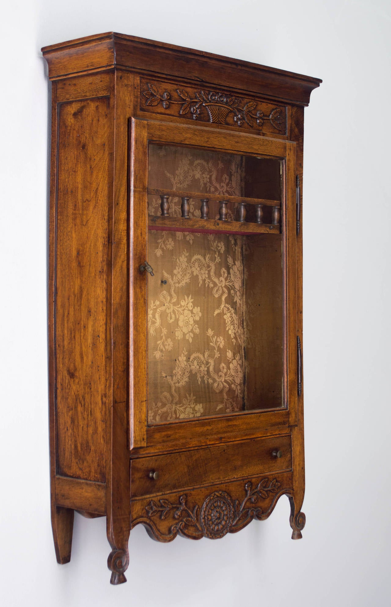 18th Century and Earlier 18th Century French Louis XV Verrio or Display Cabinet For Sale