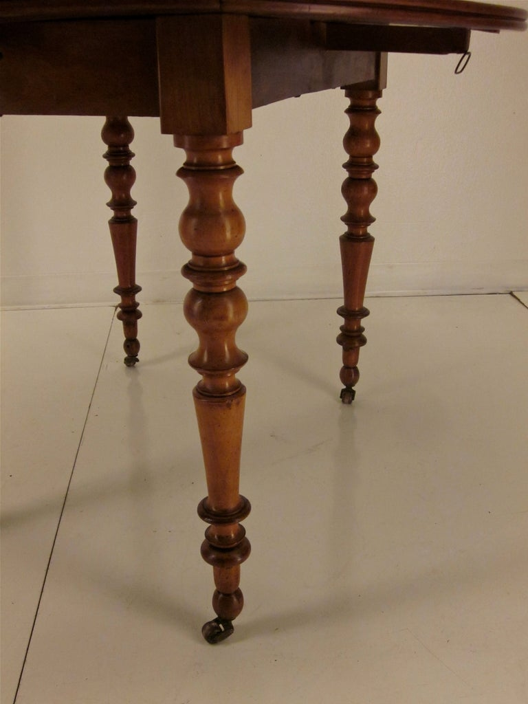 Early 20th french louis philippe style dining table at - Table ronde style louis philippe ...