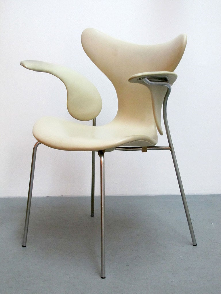 Arne jacobsen drop chair - Pair Of Arne Jacobsen Model 3208 Seagull Chairs 3