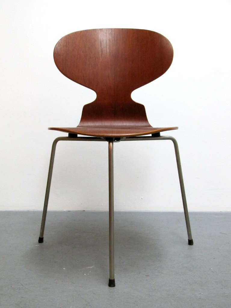trio of arne jacobsen ant chairs for sale at 1stdibs. Black Bedroom Furniture Sets. Home Design Ideas