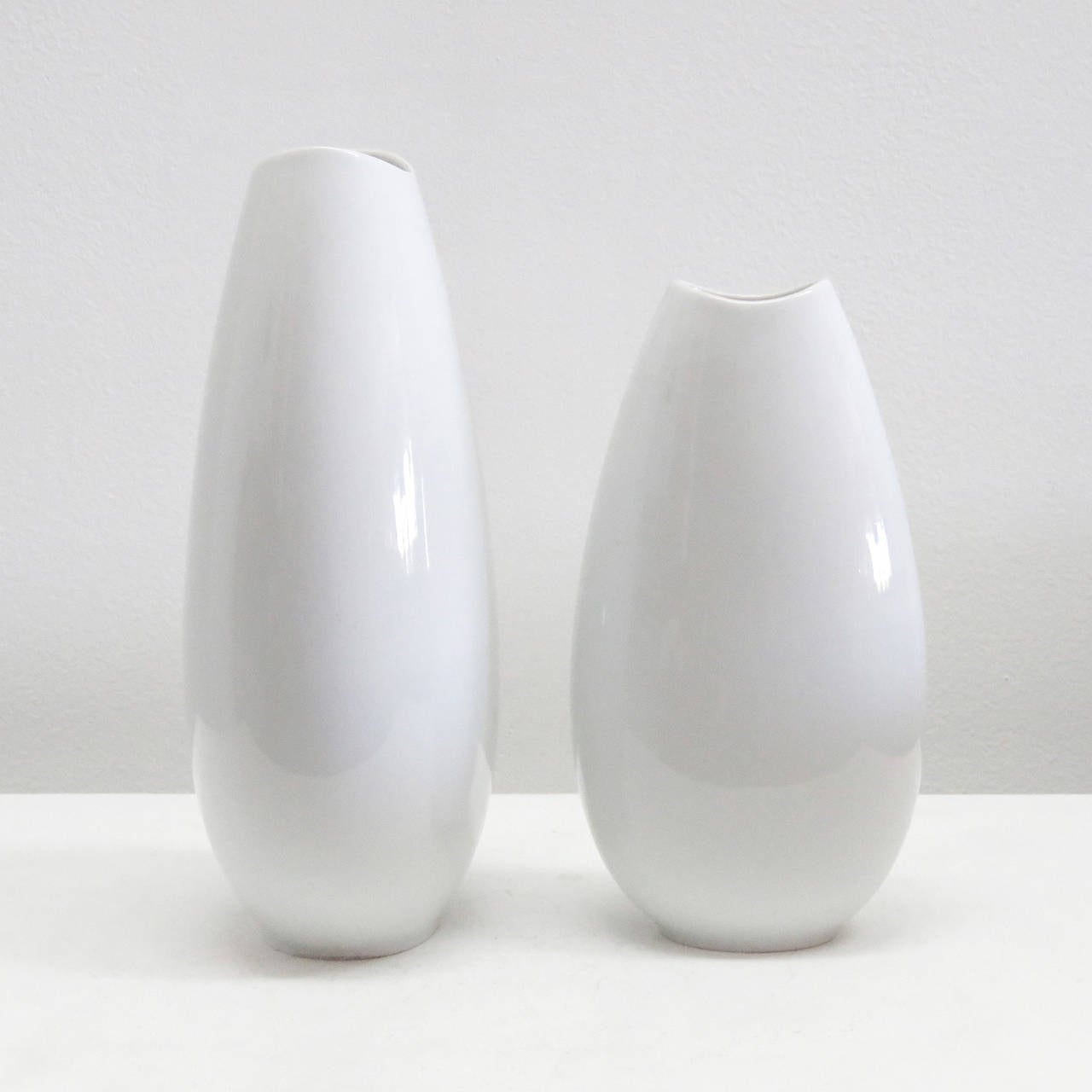 Set of Thomas Vases In Excellent Condition For Sale In Los Angeles, CA