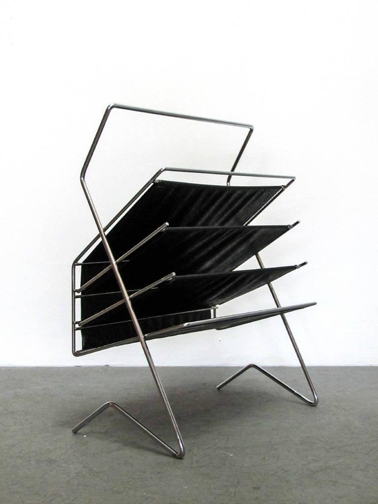 elegant German 1960s magazine rack by Voss, chrome frame with textured vinyl