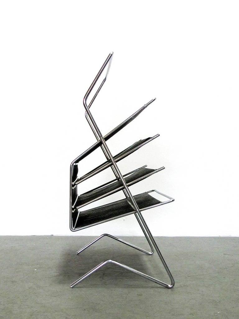 Mid-Century Modern German 1960s Magazine Rack For Sale