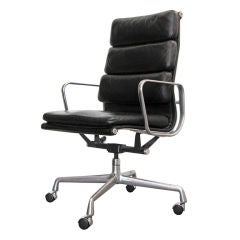 Charles & Ray Eames Soft Pad Executive Desk Chair