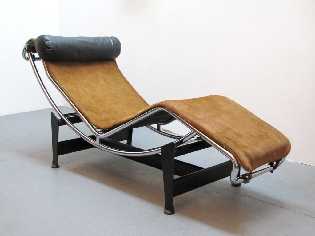 Lc4 chaise by le corbusier at 1stdibs for Chaise le corbusier