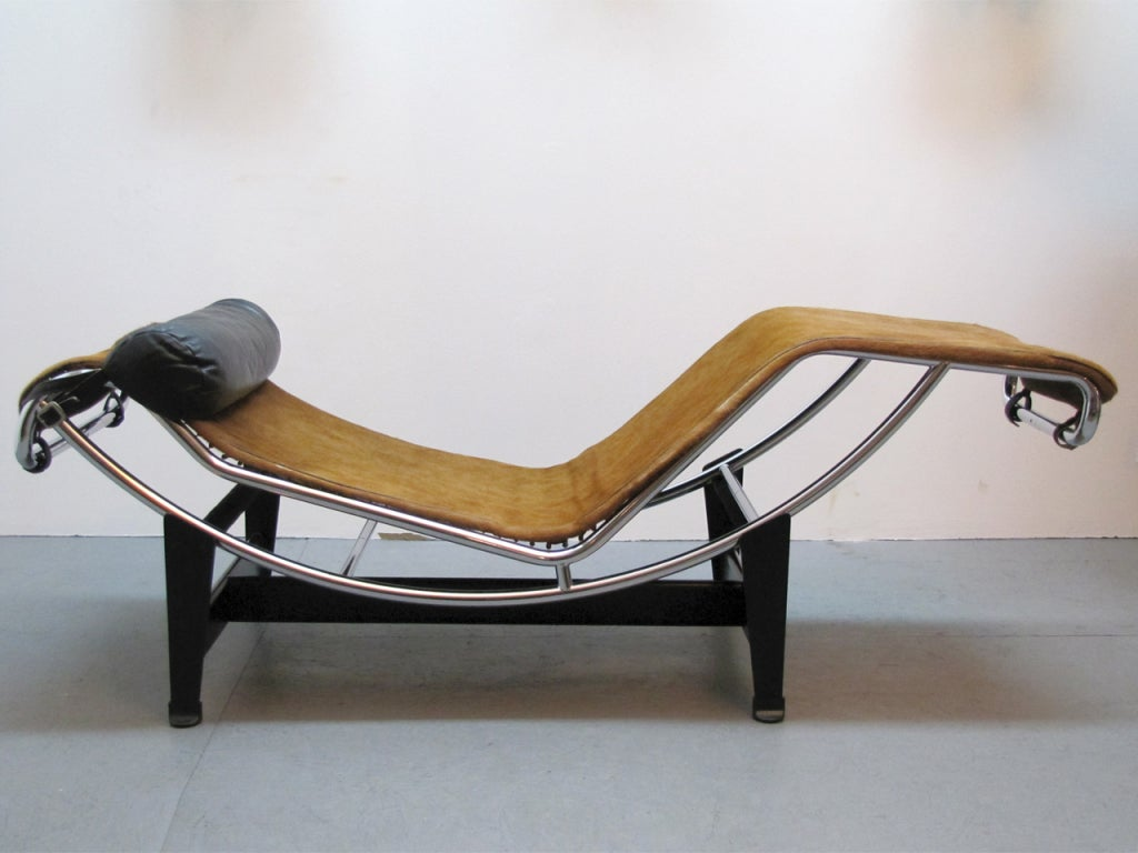 Lc4 chaise by le corbusier at 1stdibs for Chaise le corbusier lc4