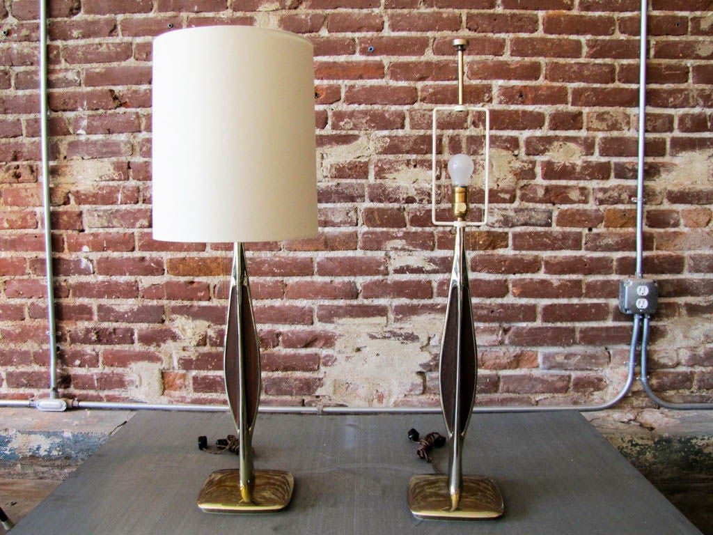 American Pair of Laurel Table Lamps For Sale