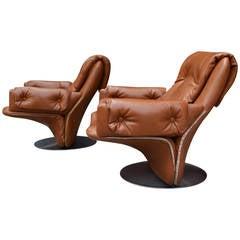 Pair of Italian Swivel Chairs by Saporiti Italia
