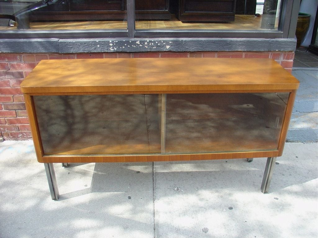 Stow & Davis Credenza In Good Condition For Sale In Chicago, IL