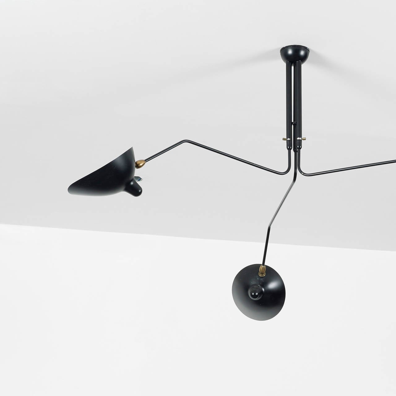 suspension trois bras pivotantsa trois bras by serge mouille at 1stdibs. Black Bedroom Furniture Sets. Home Design Ideas