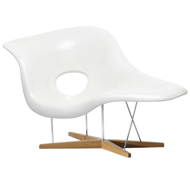 La chaise by charles and ray eames at 1stdibs for Chaises ray et charles eames