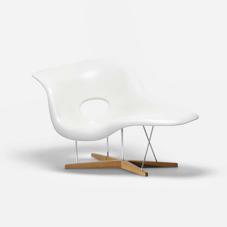 Signed With Decal Manufacturers Label To Underside Original Eames Chaise Charles Vitra