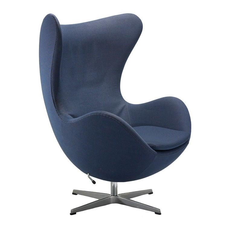 egg chair by arne jacobsen at 1stdibs. Black Bedroom Furniture Sets. Home Design Ideas
