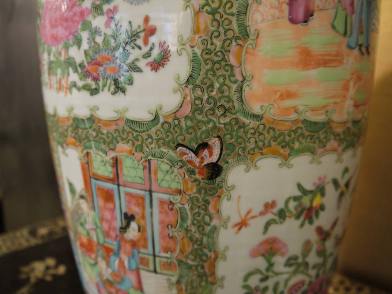 Pair of Large Chinese Rose Canton Vases For Sale 2