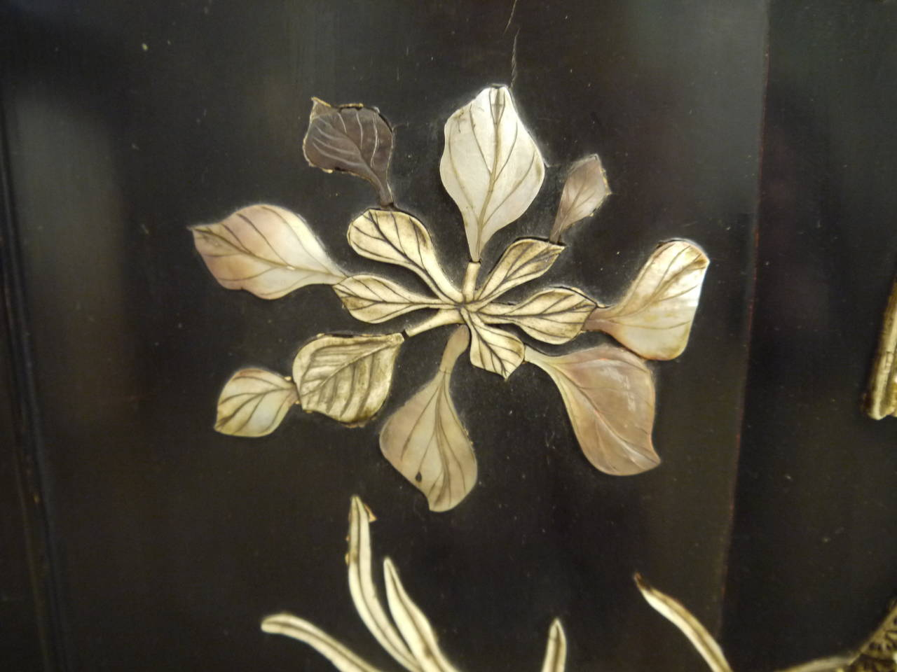 Large Lacquer Panel with Carp In Good Condition For Sale In New York, NY