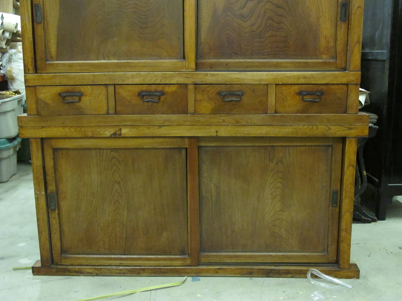 19th Century Japanese Large Kitchen Tansu In Good Condition For Sale In New  York, NY