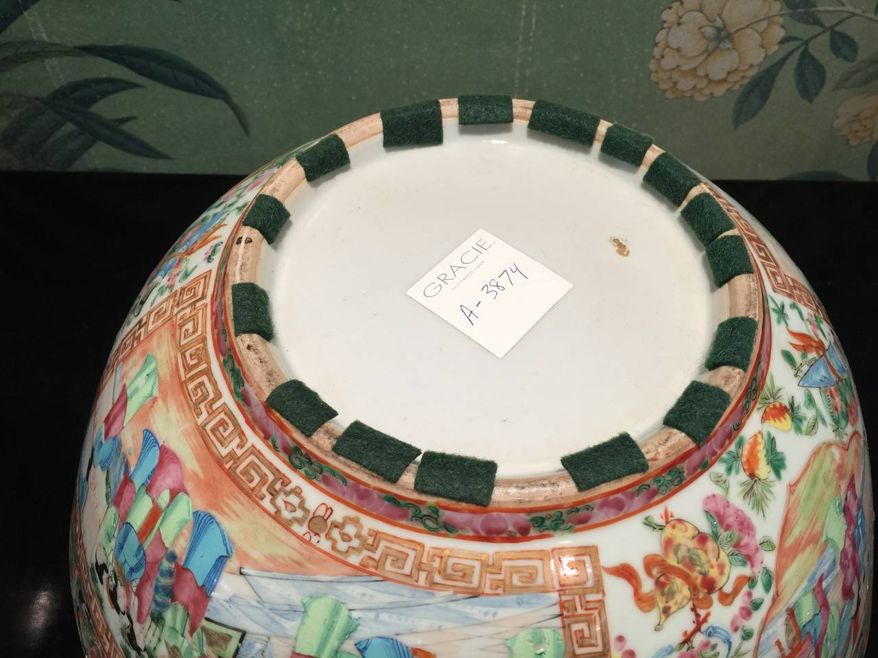 Chinese Rose Medallion Bowl For Sale 3