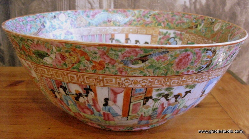 19th Century Chinese Rose Medallion Bowl 2
