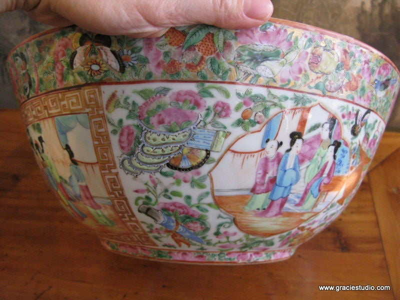 19th Century Chinese Rose Medallion Bowl 5