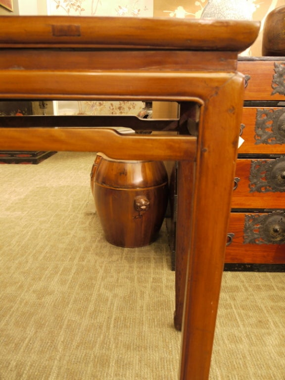 Chinese Console Table In Good Condition For Sale In New York, NY