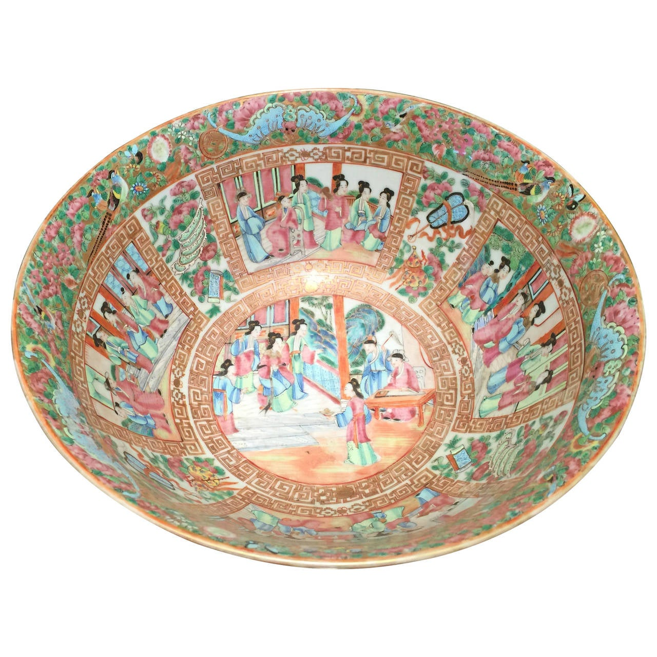 Chinese Rose Medallion Bowl For Sale