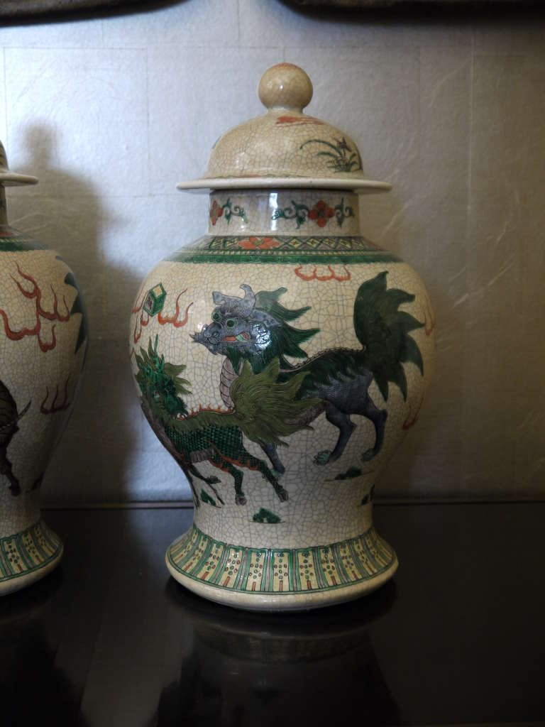 Large Pair of Chinese Temple Jars In Good Condition For Sale In New York, NY