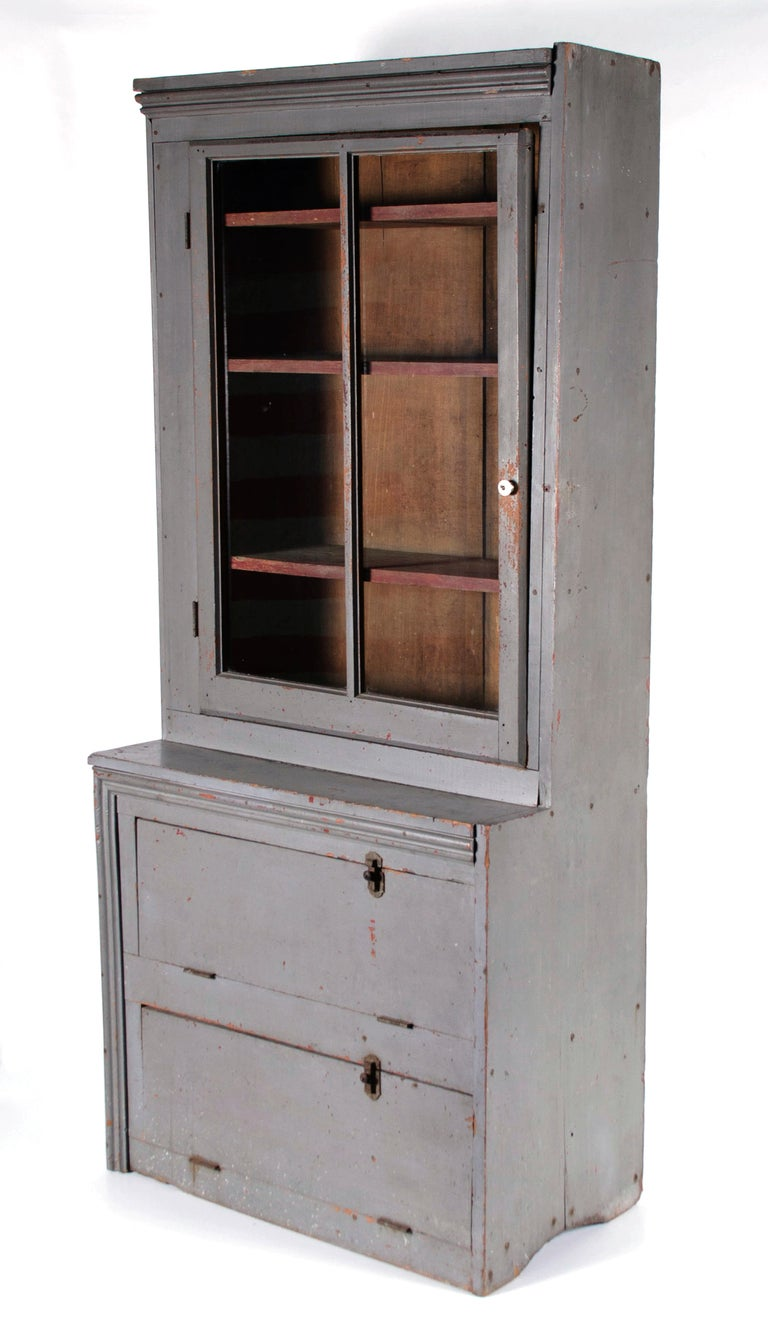 Narrow Make-Do Pennsylvania Cupboard in Grey Paint, Late 19th Century In Good Condition For Sale In York County, PA