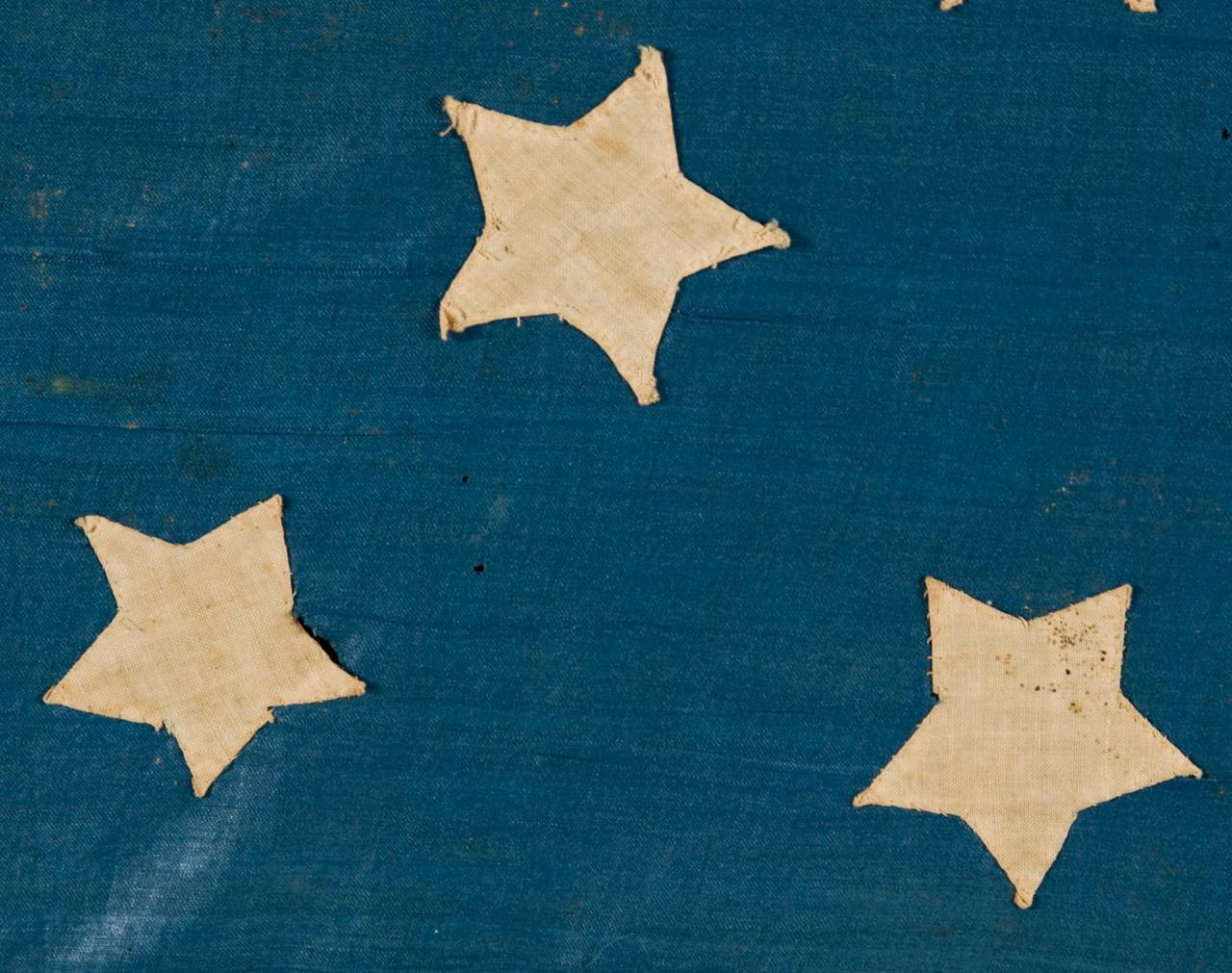 Hand-Crafted Homemade 34 Star Flag, Cornflower Blue, Interesting Configuration, 1861-1863 For Sale