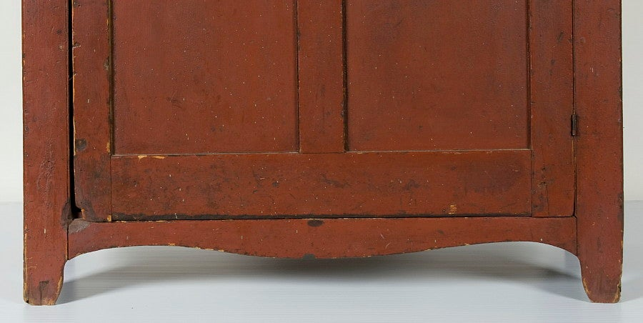19th Century Pennsylvania Jelly Cupboard In Tomato Red Painted Surface