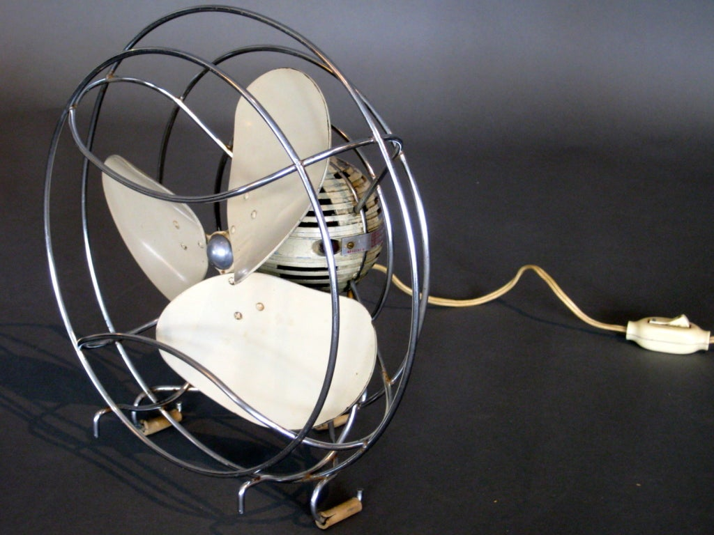 Machine Age Table Fan by Westinghouse c.1940s image 3