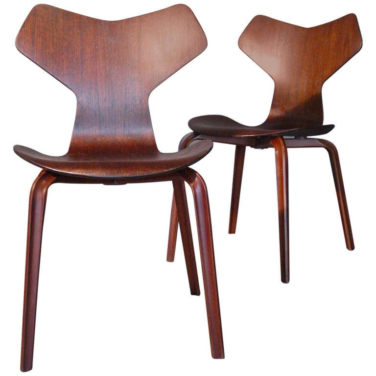 pair of arne jacobsen grand prix teak dining chairs at. Black Bedroom Furniture Sets. Home Design Ideas