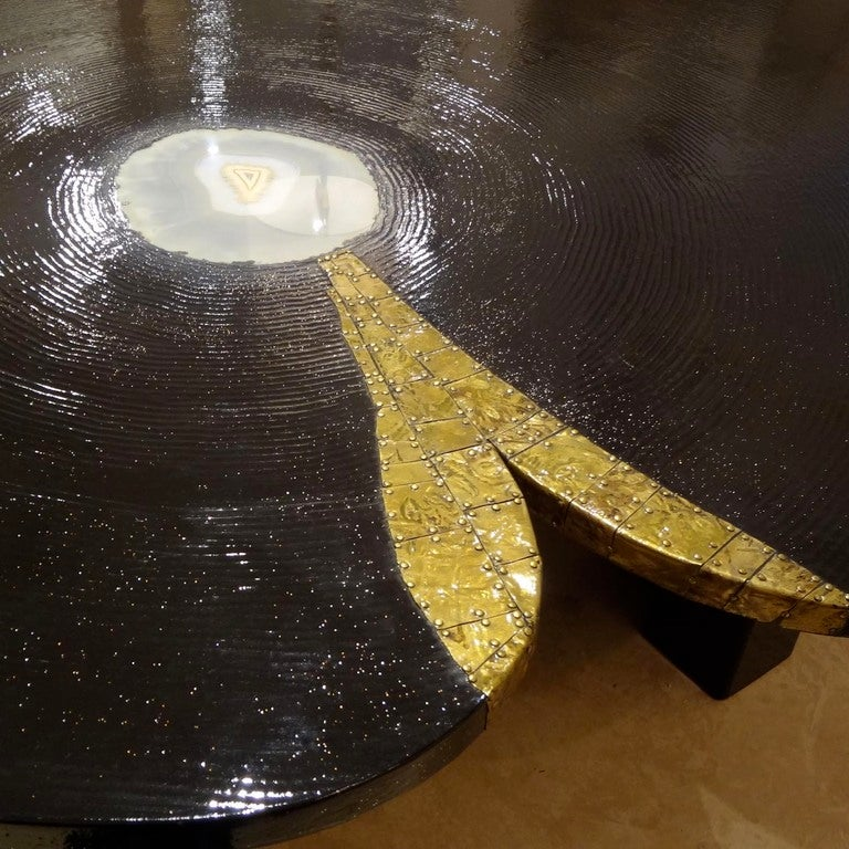 Agate Marble And Brass Round Cocktail Table At 1stdibs: A Round Cocktail Table In Combed Lacquer, Agate And Bronze