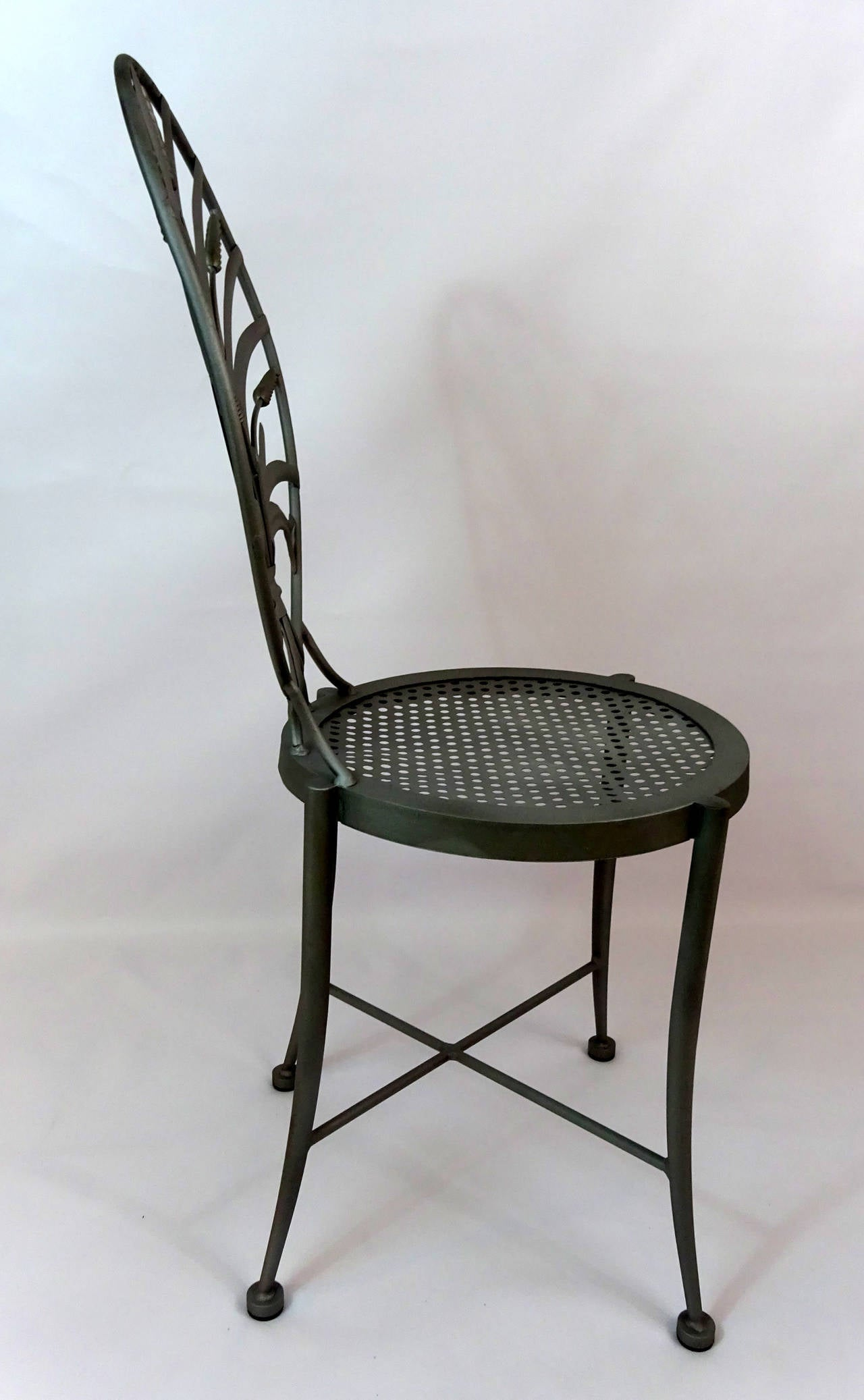 mid century modern metal side chair circa 1950 for sale at 1stdibs. Black Bedroom Furniture Sets. Home Design Ideas