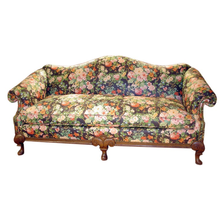 Queen Anne Style Walnut Sofa At 1stdibs