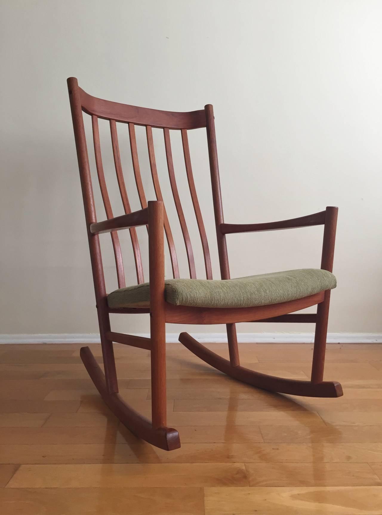 This Hans Wegner Teak Rocking Chair is no longer available.