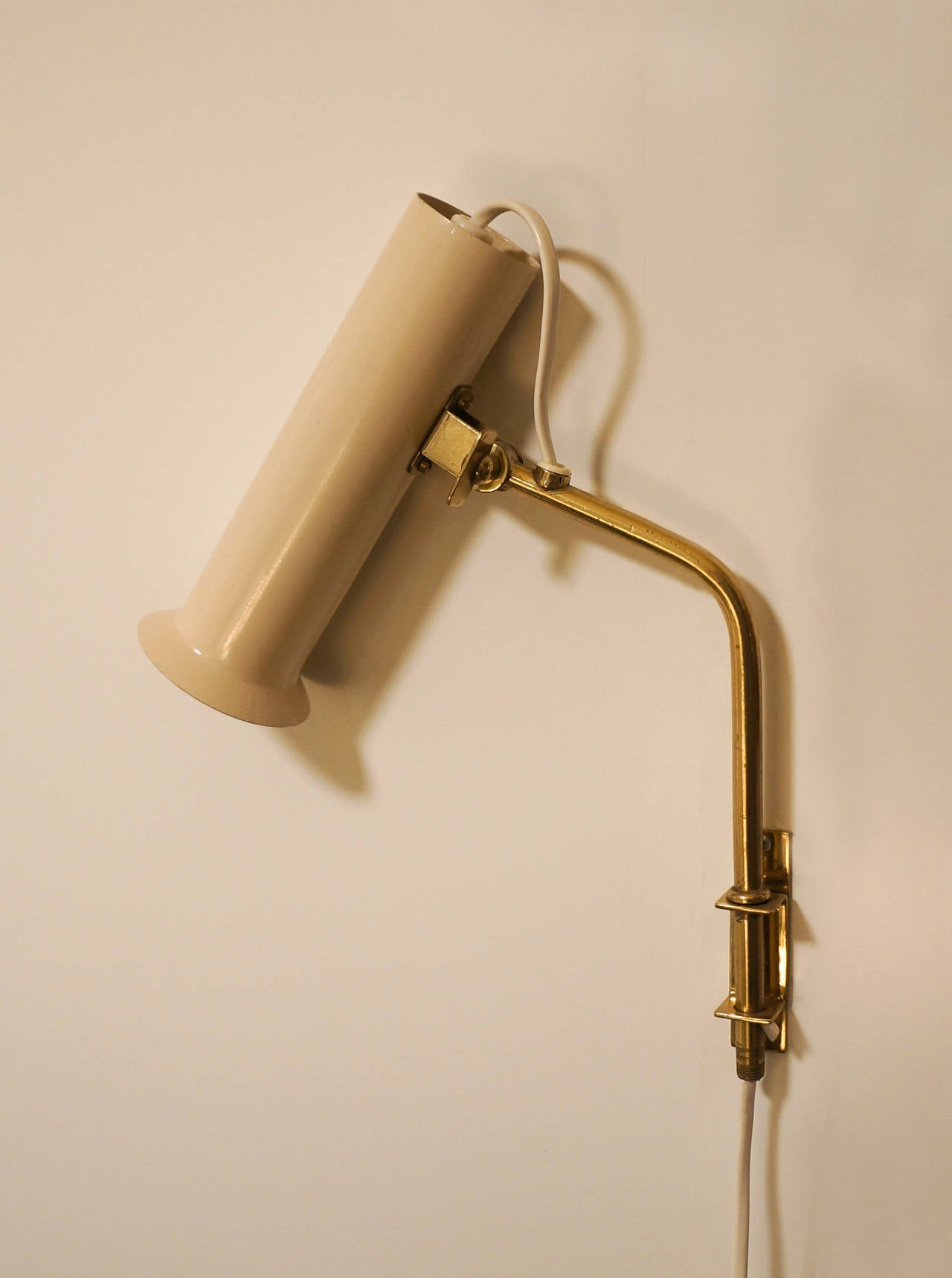 Tapio Wirkkala Adjustable Reading Lamps or Sconces, 1950s In Excellent Condition For Sale In Houston, TX
