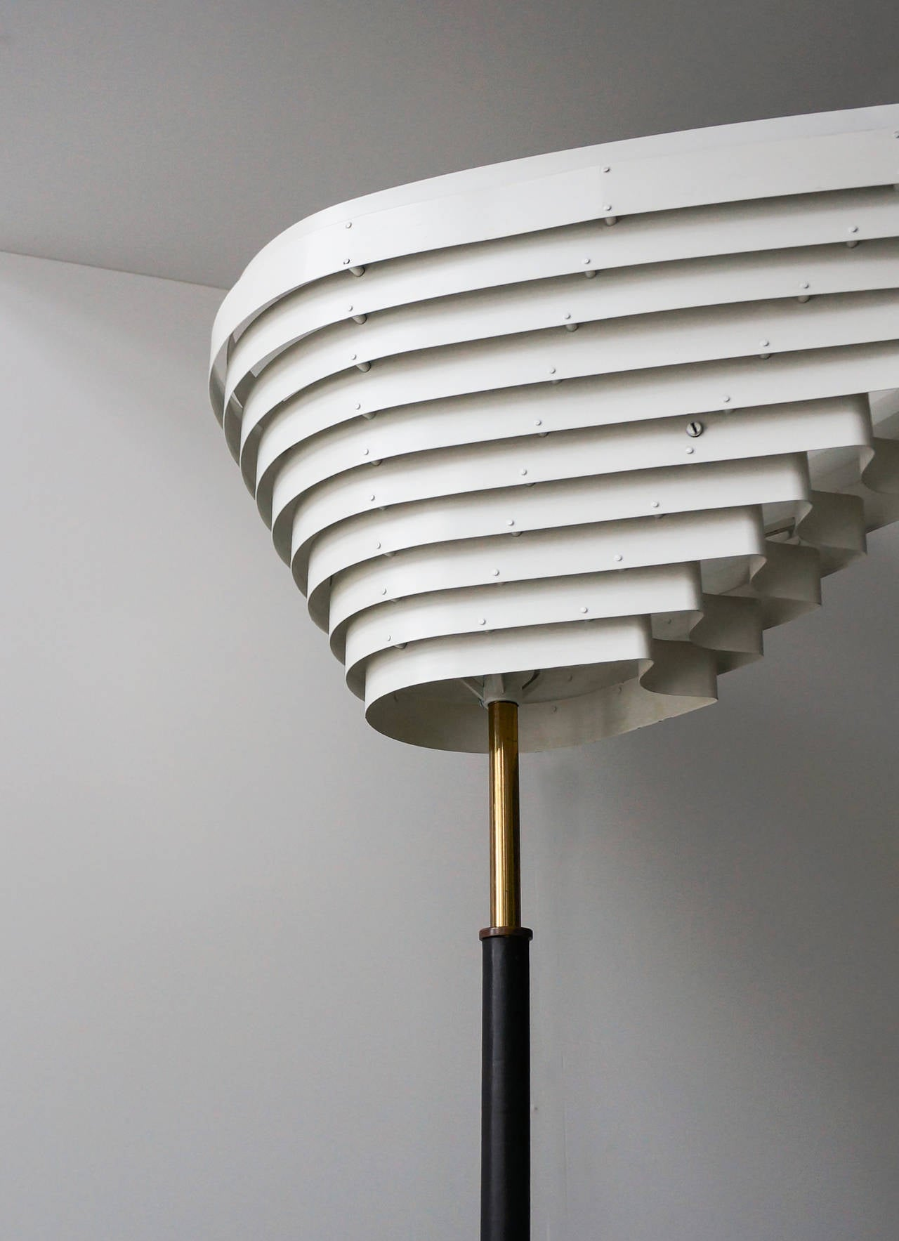 Early Alvar Aalto Floor Lamp, Model A805 for Valaistustyö Ky, 1954 In Excellent Condition For Sale In Houston, TX