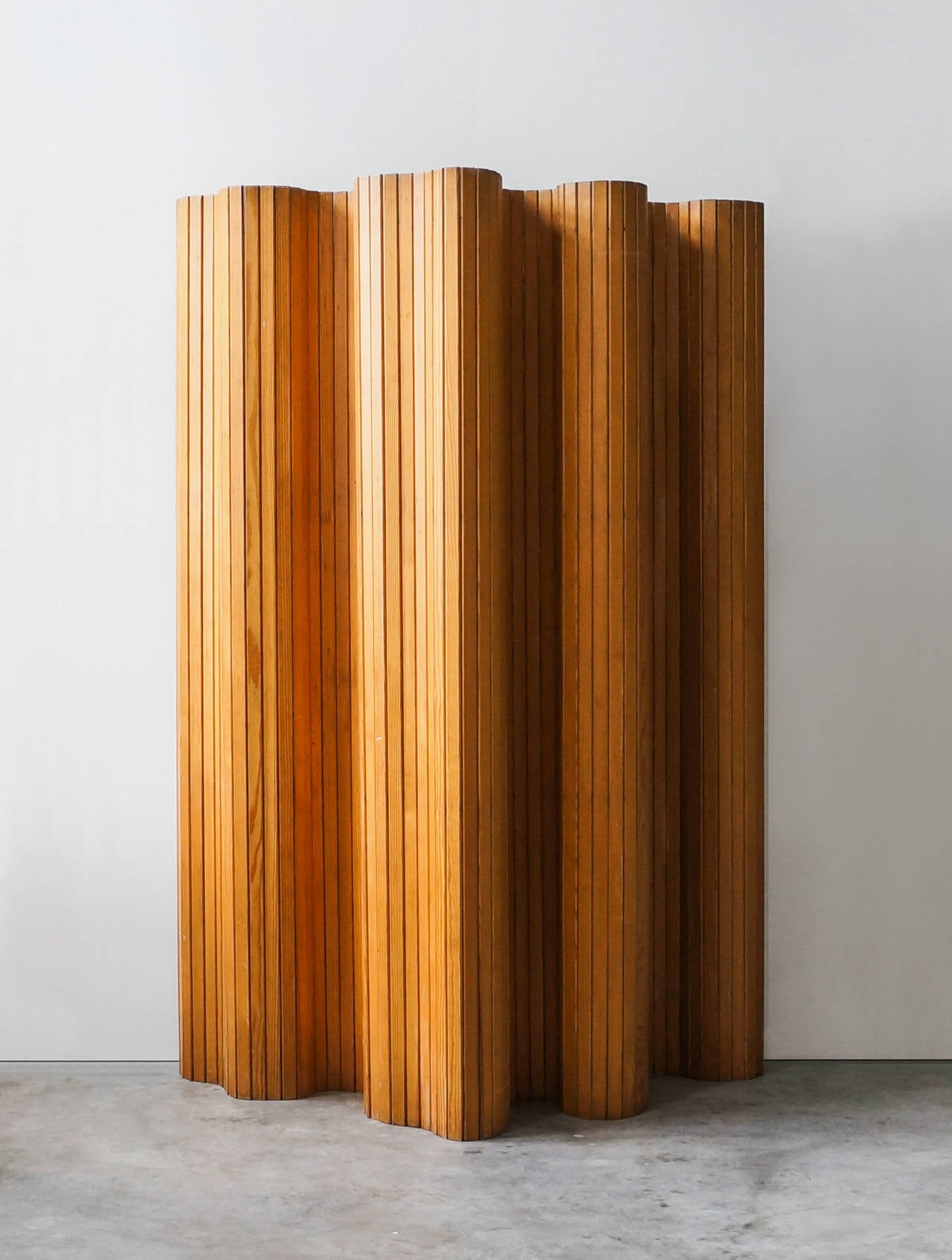 Alvar Aalto, Pinewood Screen, Model 100, circa 1940s In Excellent Condition For Sale In Houston, TX